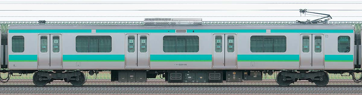 JR東日本E231系モハE231-95山側の側面写真