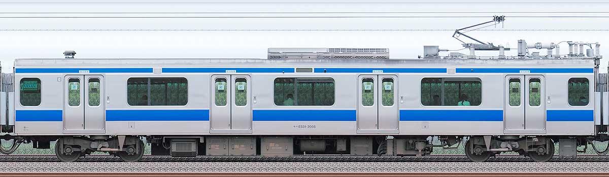 JR東日本E531系モハE531-2005海側の側面写真
