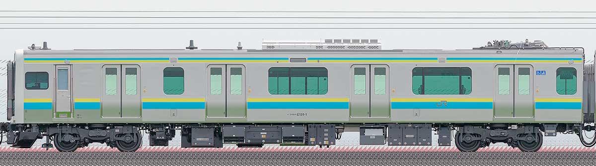 JR東日本E131系クモハE131-1山側の側面写真
