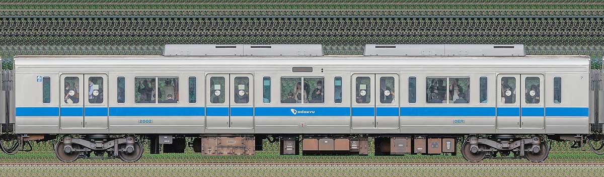 小田急2000形デハ2002(インペリアルブルー)海側の側面写真