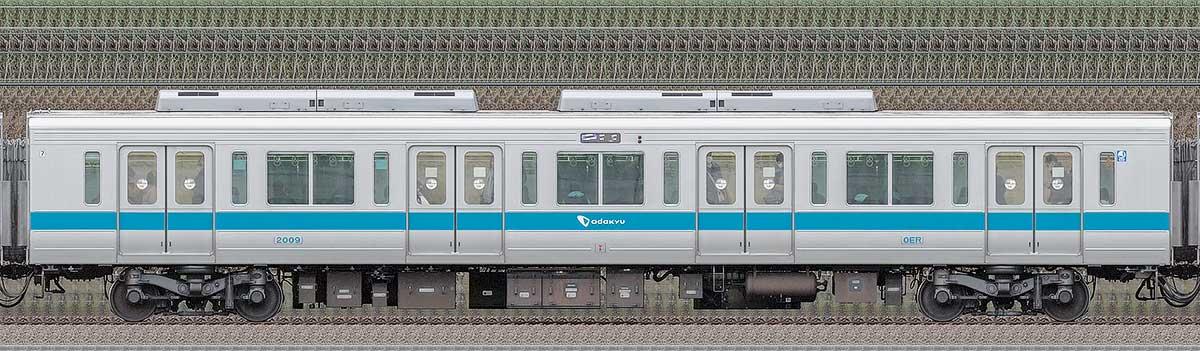 小田急2000形デハ2009(ロイヤルブルー)山側の側面写真