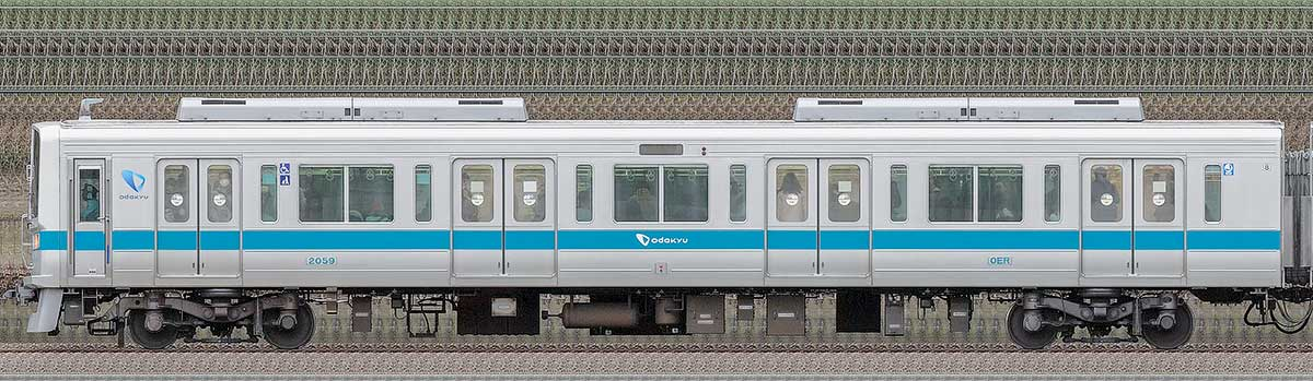小田急2000形クハ2059(ロイヤルブルー)山側の側面写真