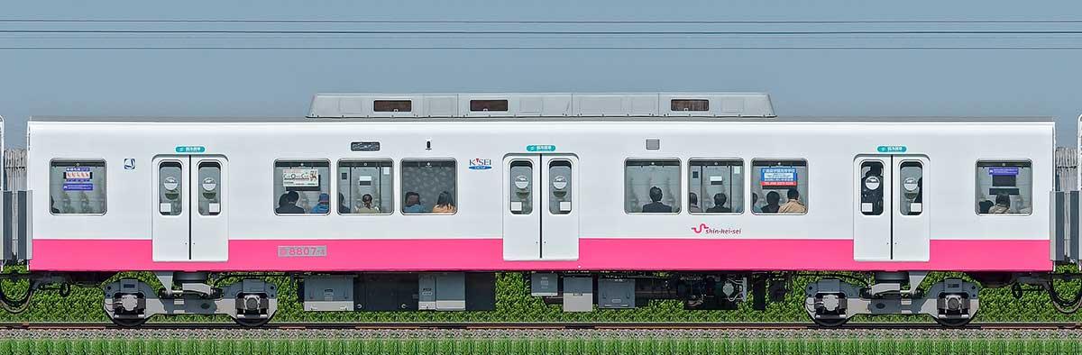 新京成8800形サハ8807-4(床下機器更新・内装リニューアル車)山側の側面写真