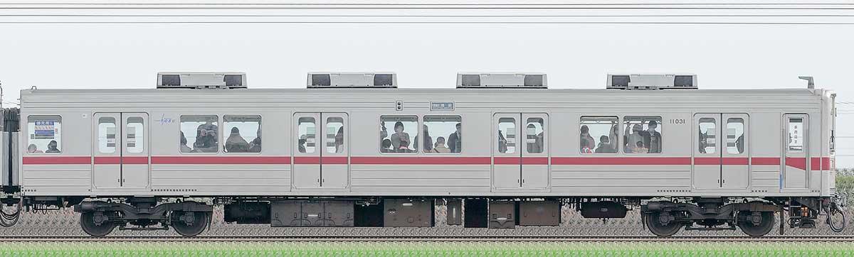 東武10030型クハ11031山側の側面写真