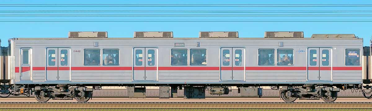 東武10030型サハ11442(リニューアル車)海側の側面写真