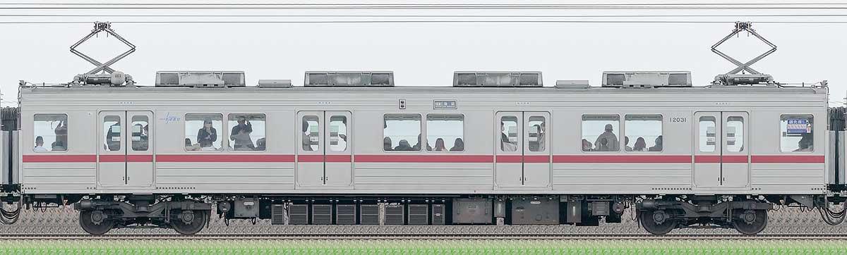 東武10030型モハ12031山側の側面写真