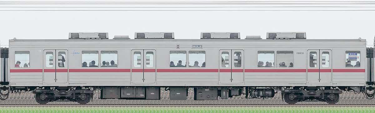 東武10030型モハ19031山側の側面写真