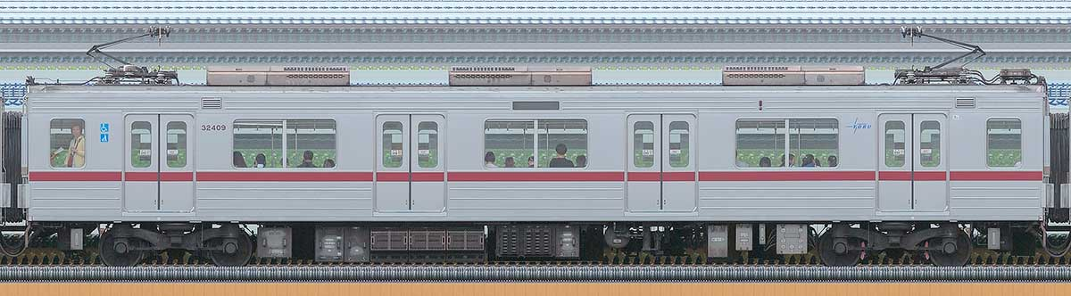東武30000系モハ32409海側の側面写真
