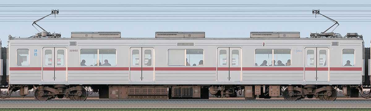 東武30000系モハ32602海側の側面写真