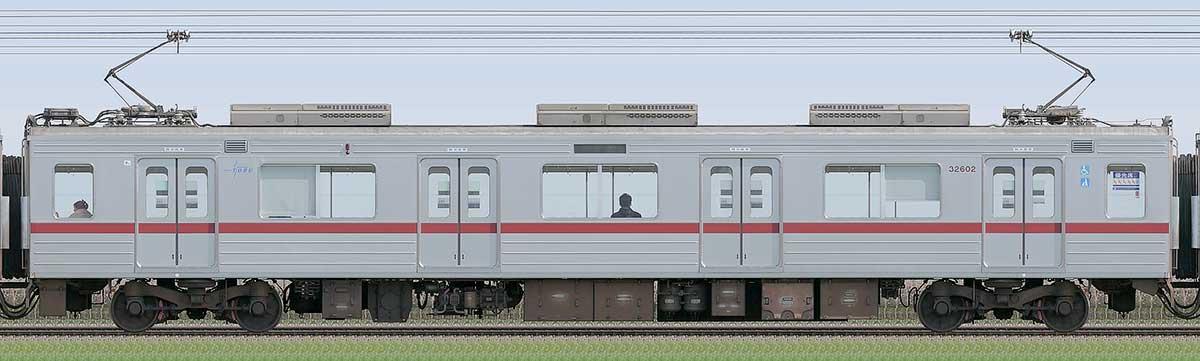 東武30000系モハ32602山側の側面写真