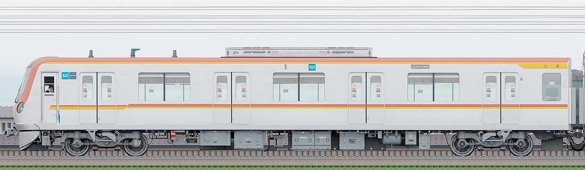 東京メトロ17000系171032側の側面写真