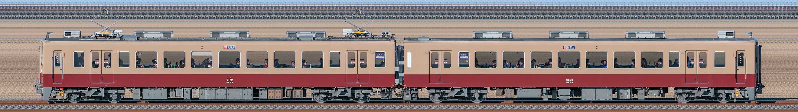 東武6050型6179編成「6000系リバイバルカラー」(海側)の編成サイドビュー