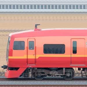 JR東日本 253系1000番台OM-N01編成(海側)