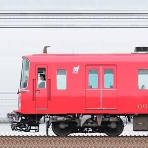 名鉄6800系6818編成+6800系6827編成+6000系6052編成(海側)