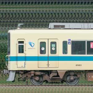 小田急8000形8061×4+8261×6(海側)