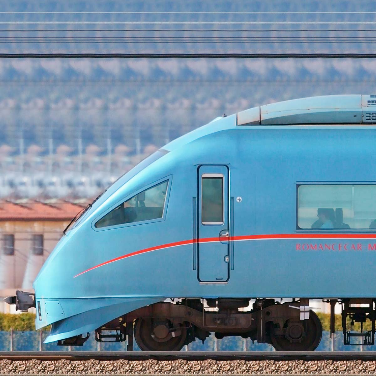 小田急60000形ロマンスカー「MSE」60051×4+60251×6(海側)