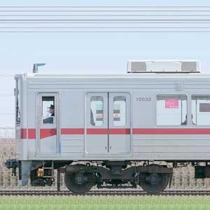 東武10030型(リニューアル車)11032編成(山側)