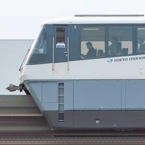 東京モノレール1000形1061編成(リニューアル車・海側)
