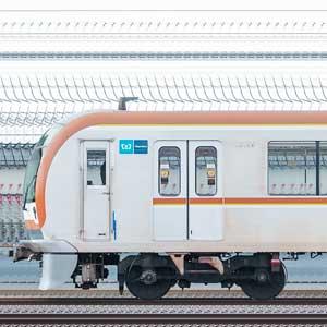 東京メトロ10000系10136編成(和光検車区第76編成/2側)