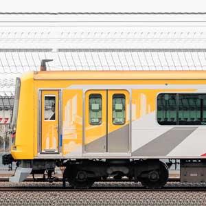 東急5050系4000番台4110編成「Shibuya Hikarie号」(海側)